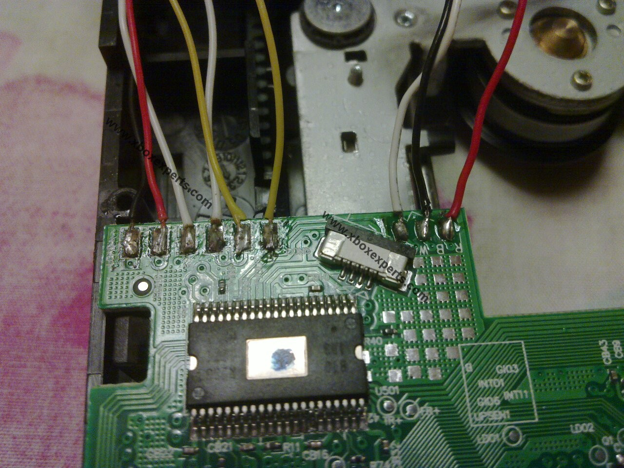Tutorial Swapping Circuit Boards Of An Xbox 360 Dvd Drive What Is The Best Way To Solder These Wires Board When Youre Done It Should Look Like This